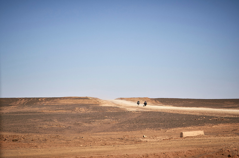 ROADTRIP INTO THE DESERT - MAROCCO SERIES