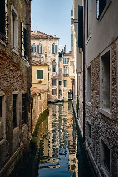 UNCONVENTIONAL ROAD - ITALIAN SERIES