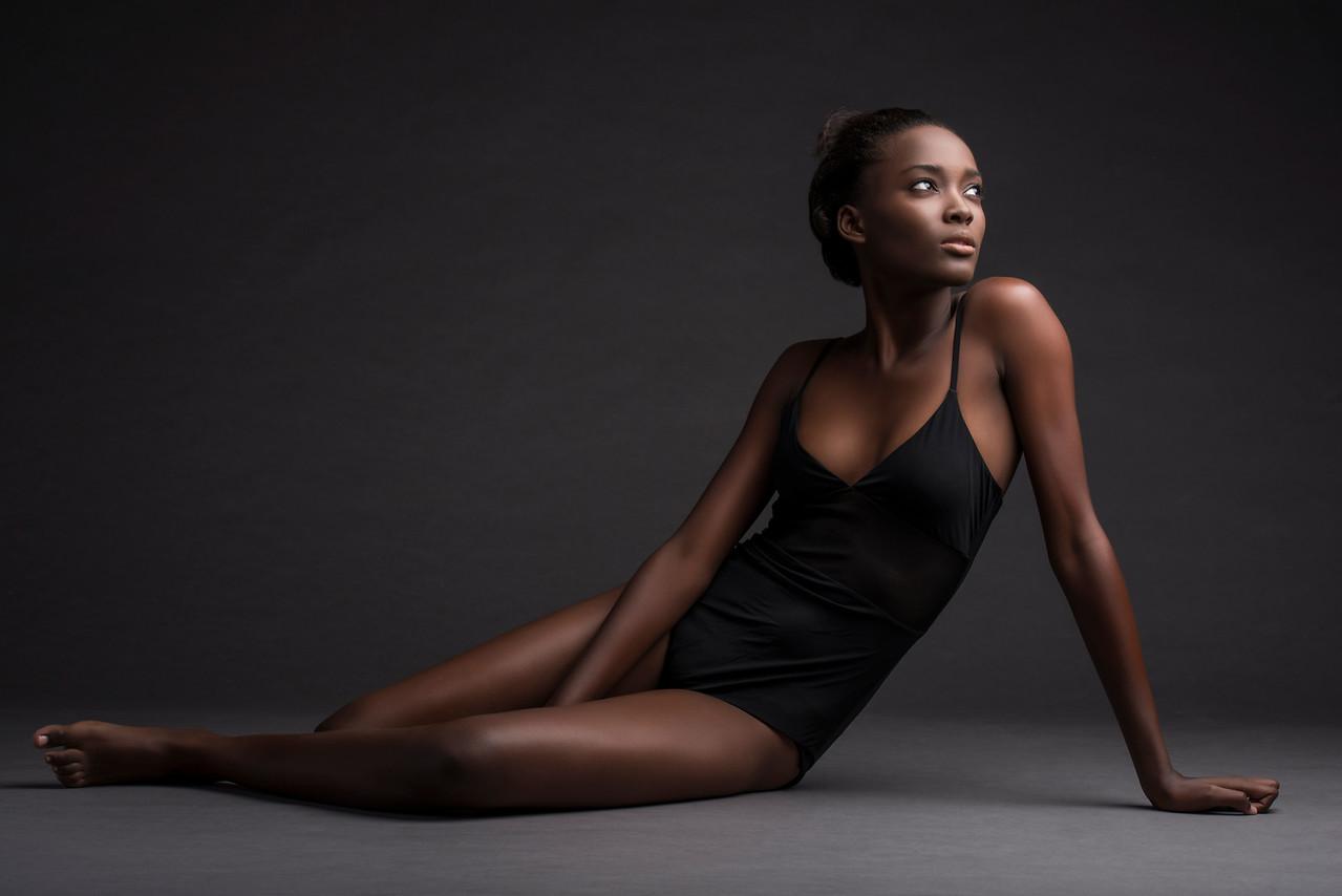Model: Francine James (Next Model Management), Makeup: Ximena Ocha, Wardrobe Stylist: Yuko Takei