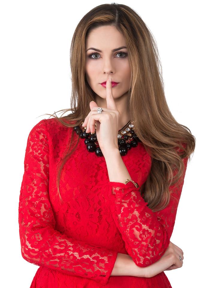 Model: Destiny Moniz; MUA: Ximena Ocha