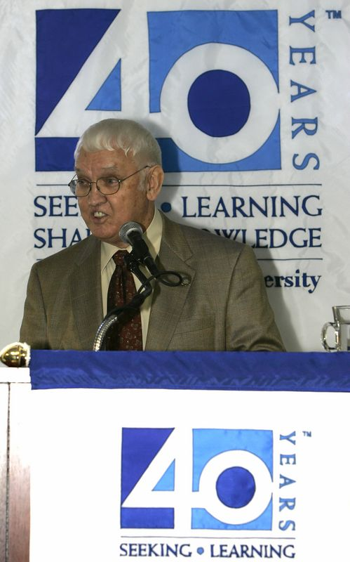 FAU Founding Faculty & Staff Luncheon 25-Oct-2004 - 0027