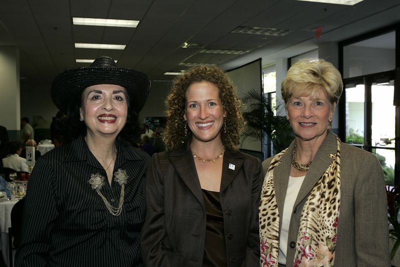 FAU Founding Faculty & Staff Luncheon 25-Oct-2004 - 0025
