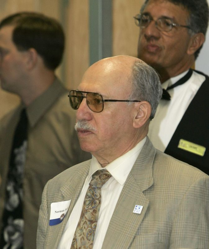 FAU Founding Faculty & Staff Luncheon 25-Oct-2004 - 0040