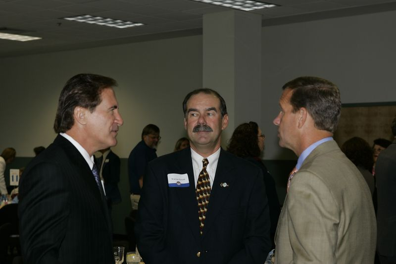 FAU Founding Faculty & Staff Luncheon 25-Oct-2004 - 0016