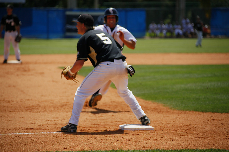 FAU Baseball vs Bryant 2009APR19-1pm-  (284)