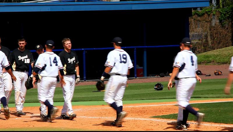 2009-04-20 FAU baseball vs Bryant end of Game