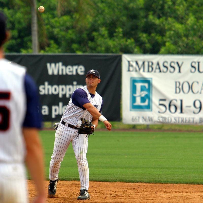 FAU Baseball vs UCF 10Apr04 1PM (32)