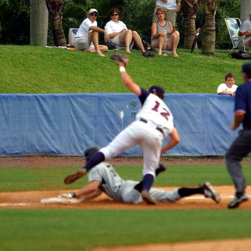 FAU Baseball vs UCF 10Apr04 1PM (14)