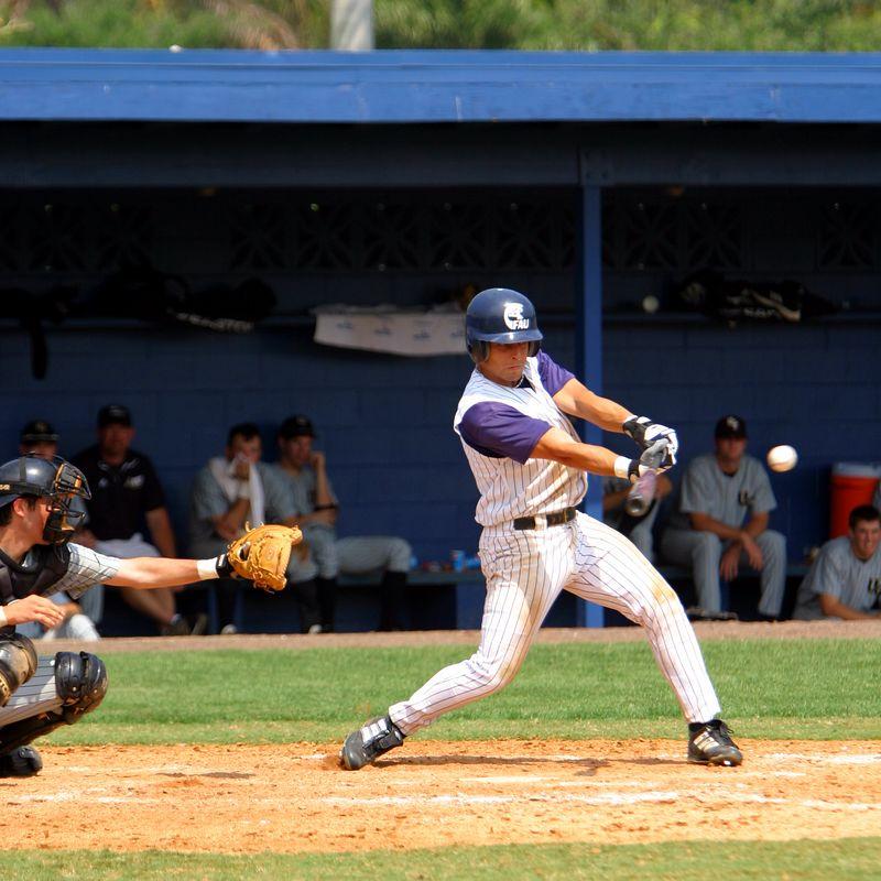 FAU Baseball vs UCF 10Apr04 1PM (8)