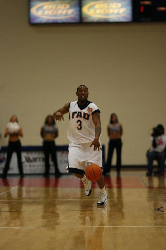 FAU Basketball vs East Tenn State 1025