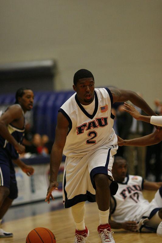 FAU Basketball vs East Tenn State 1038