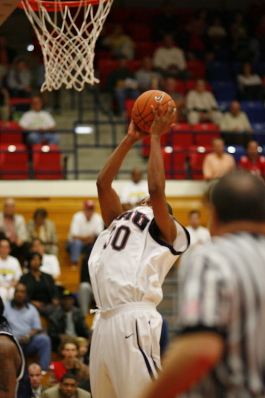 FAU Basketball vs East Tenn State 1049