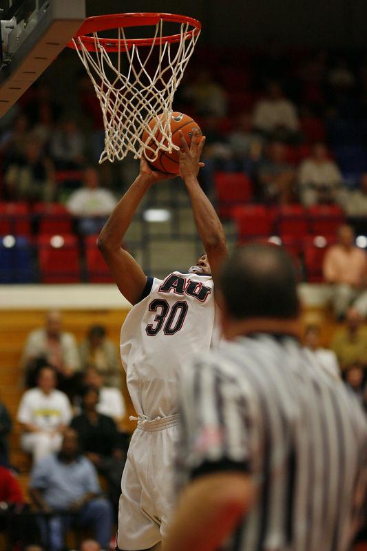 FAU Basketball vs East Tenn State 1050