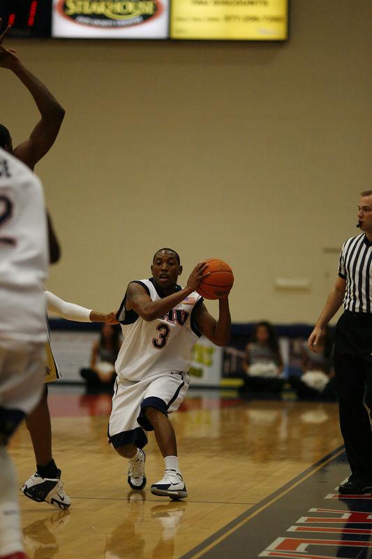 FAU Basketball vs East Tenn State 1046