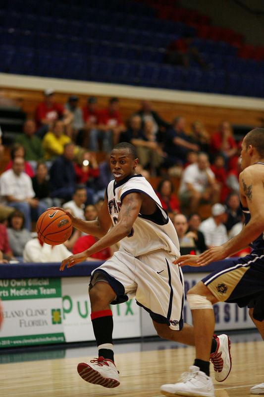 FAU Basketball vs East Tenn State 1043