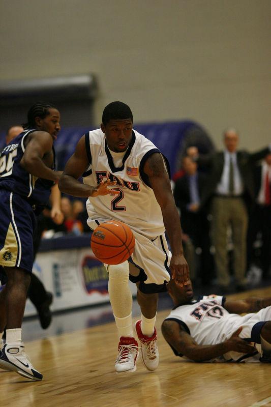 FAU Basketball vs East Tenn State 1036