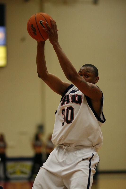 FAU Basketball vs East Tenn State 1031