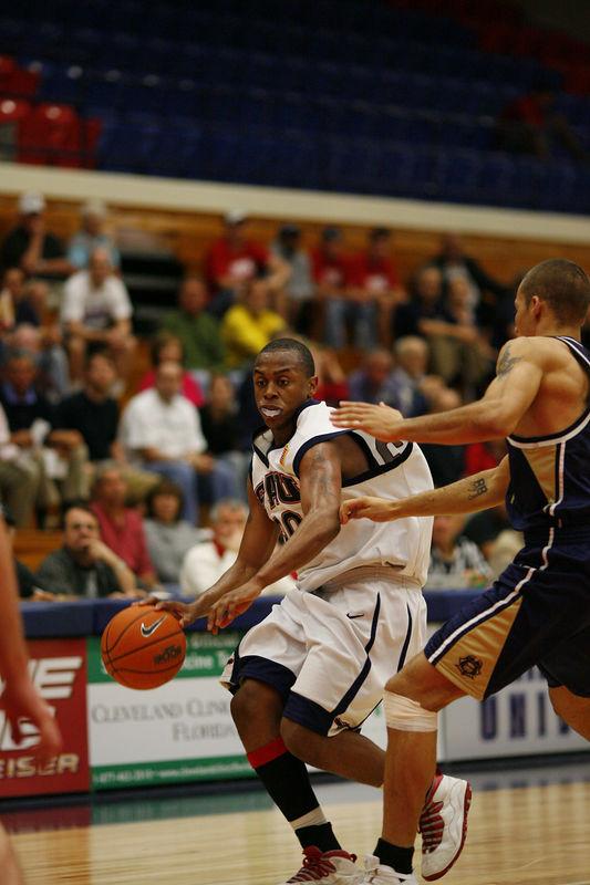 FAU Basketball vs East Tenn State 1044