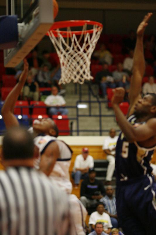FAU Basketball vs East Tenn State 1052