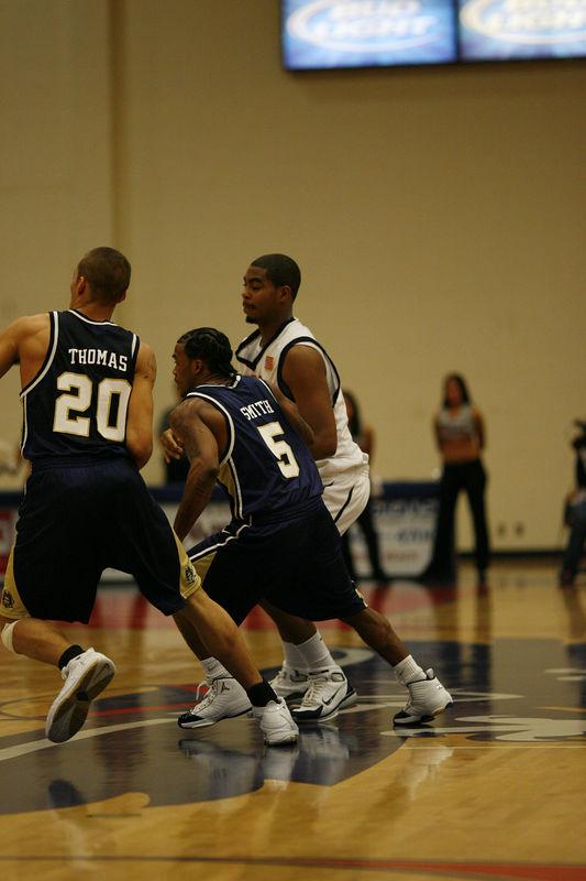FAU Basketball vs East Tenn State 1040