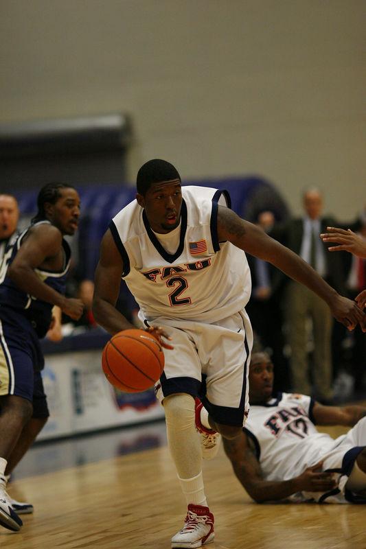 FAU Basketball vs East Tenn State 1037