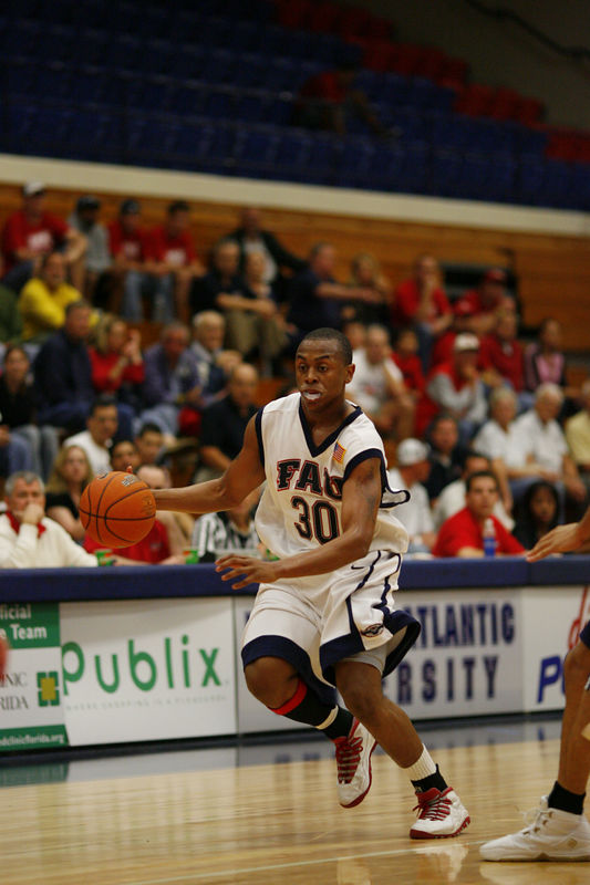 FAU Basketball vs East Tenn State 1042
