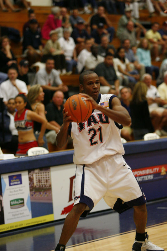 FAU Basketball vs Kennesaw State Univ -1219