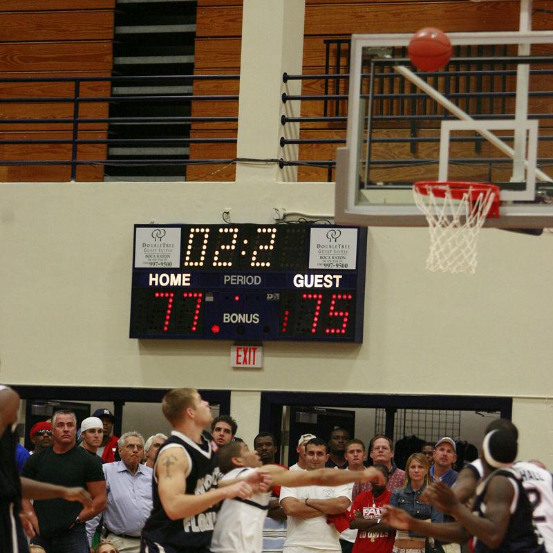 FAU Basketball vs UNF Nov 30 2005 (2)