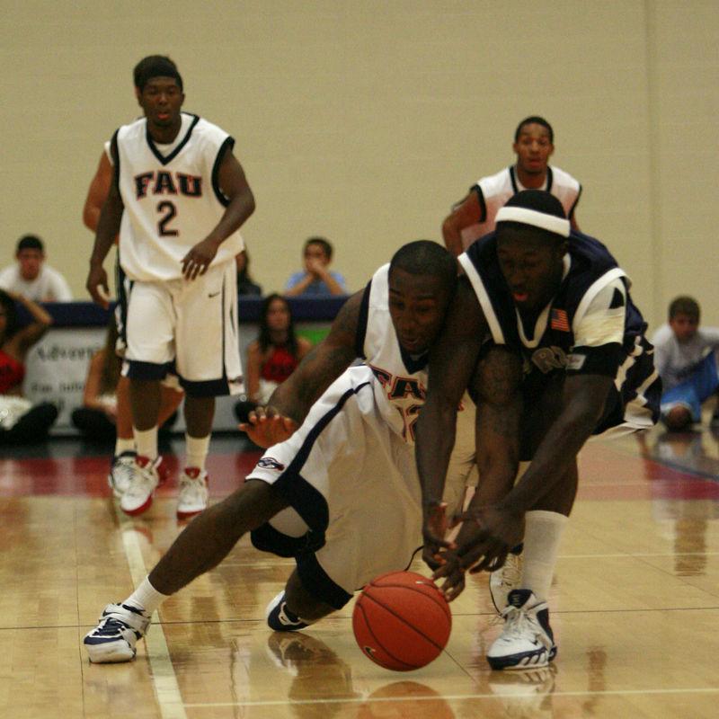 FAU Basketball vs UNF Nov 30 2005 (6)