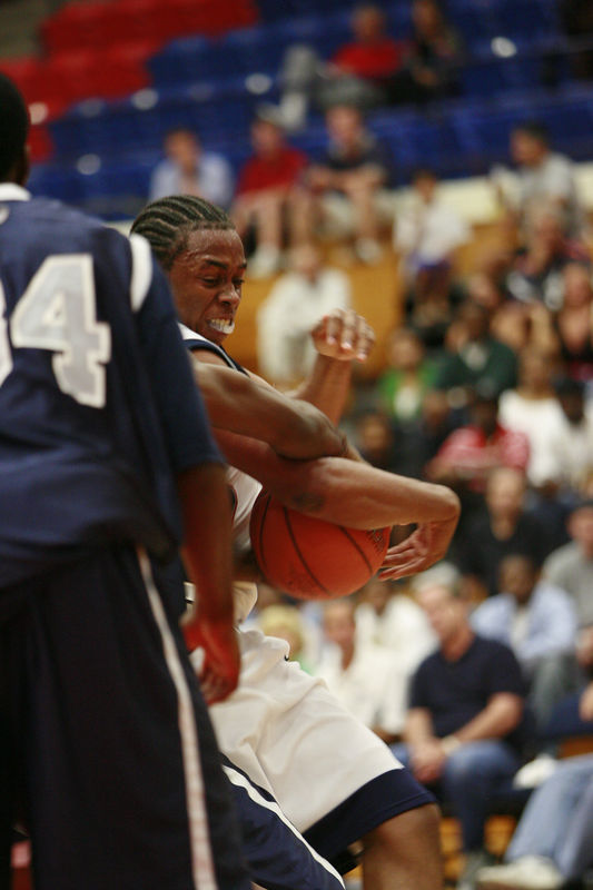 FAU Basketball vs UNF Nov 30 2005 (102)