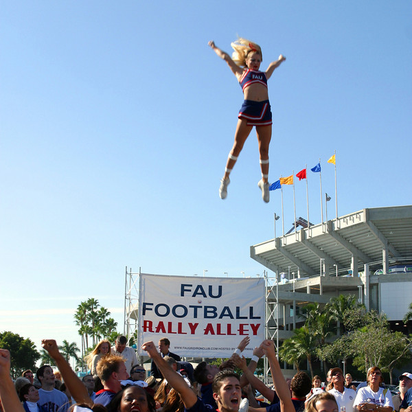 7   FAU Football vs FIU 23nov02 051sq