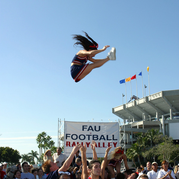 FAU Football vs FIU 23nov02 050sq