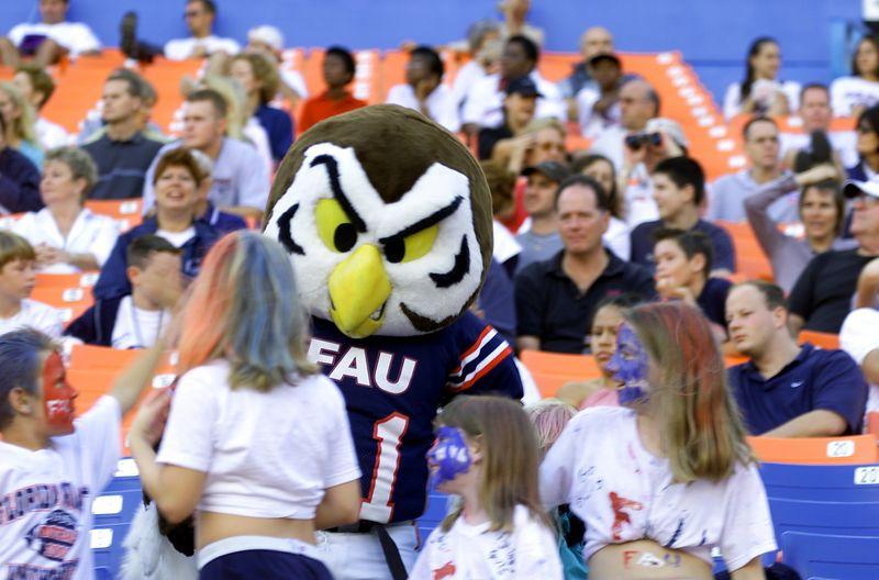 FAU - Albany 17 Nov 01- 085