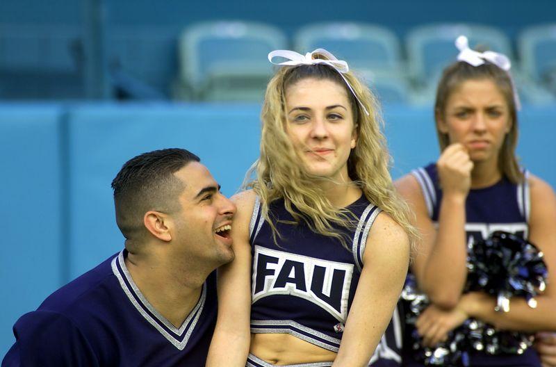 FAU - Albany 17 Nov 01- 104