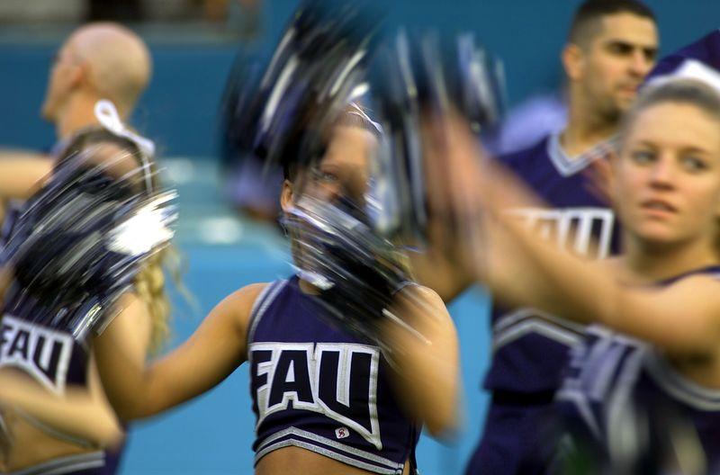 FAU - Albany 17 Nov 01- 109