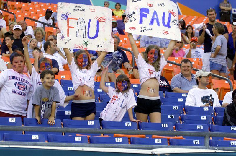 FAU - Albany 17 Nov 01- 084