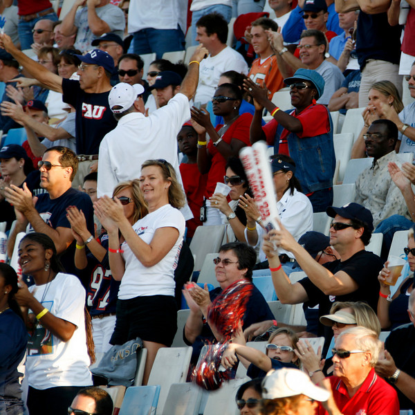 FAU vs Arkanses St  2007Nov10 -  (477)sq
