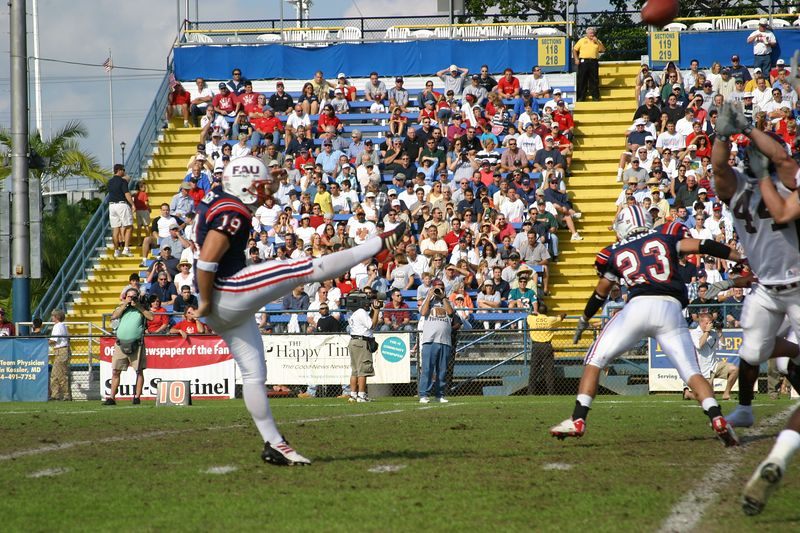 FAU Football vs Colgate 13dec03 202