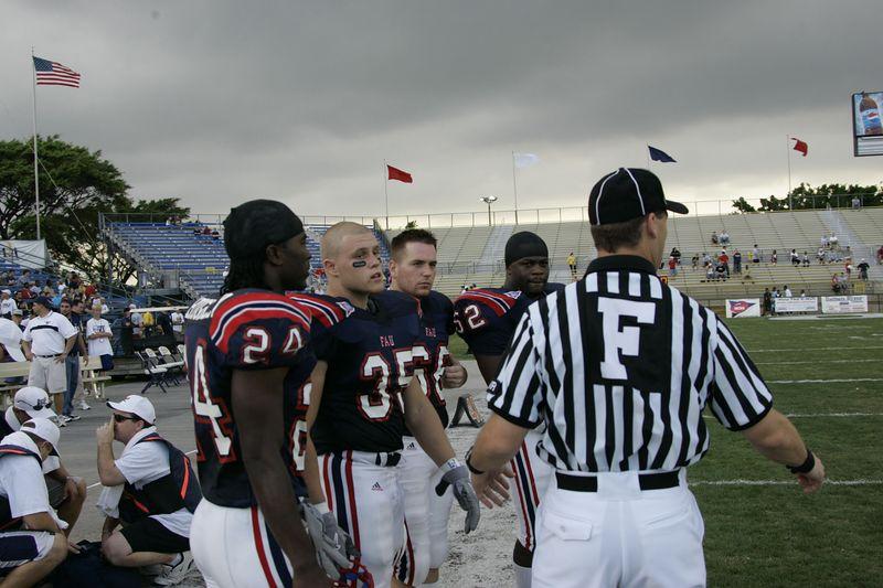 FAU Football vs Edward Waters 2004 27NOV-00048