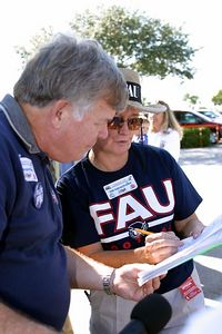 FAU Football vs FIU 23nov02 0023