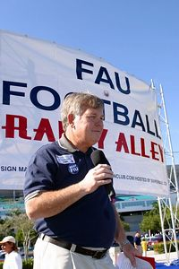 FAU Football vs FIU 23nov02 0026
