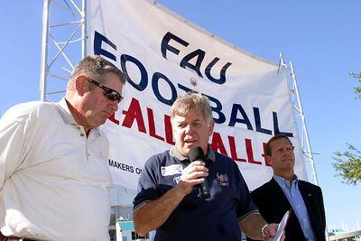 FAU Football vs FIU 23nov02 0042