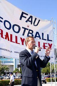 FAU Football vs FIU 23nov02 0033