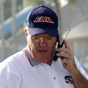 9 FAU Football vs FIU 04-dec-04 00054SQ