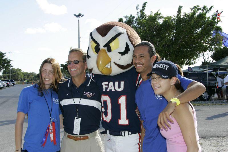 FAU Football vs Illinois State - 20 November 2004 4pm  0035
