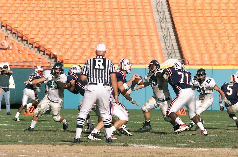 FAU vs Jacksonville  13oct01-  088