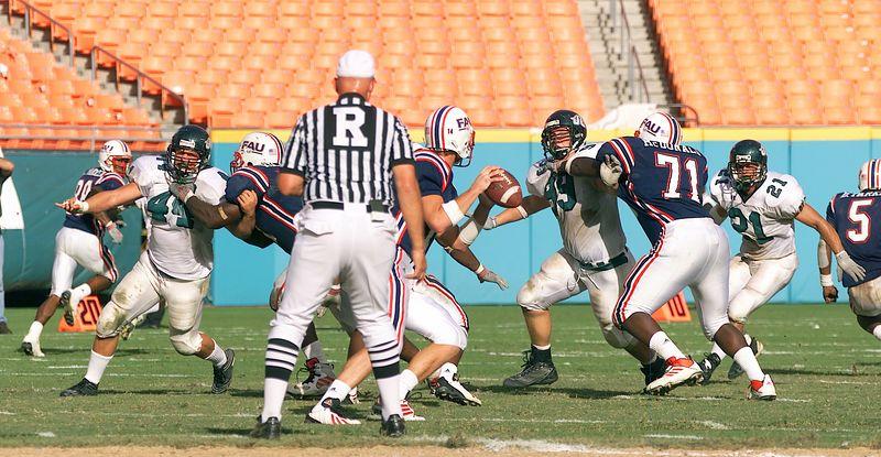 FAU vs Jacksonville  13oct01-  088c