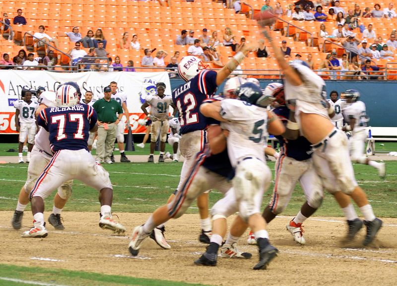 FAU vs Jacksonville  13oct01-  147