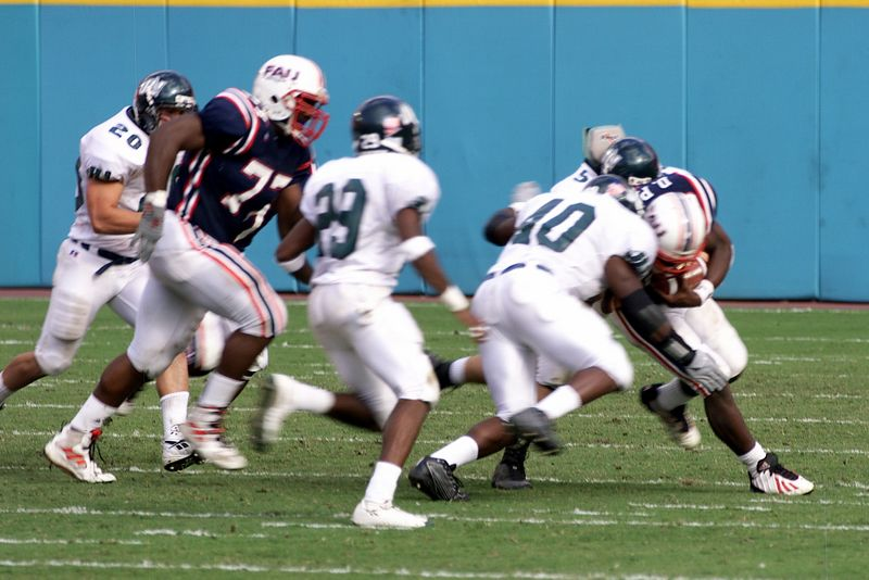 FAU vs Jacksonville  13oct01-  047