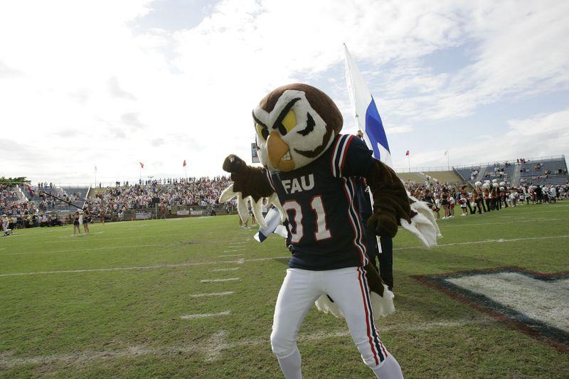 FAU Football vs Louisiana 2004-Oct-23 0126